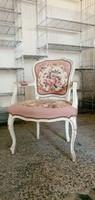 Barokk karfás szék, gobelines kárpittal