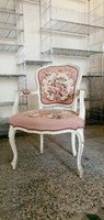 Baroque chair with armrests and tapestry upholstery