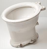 WC csésze / antik szaniterüzlet kirakati minta