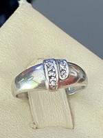 Kecses, káprázatos ezüst gyűrű cirkónia kövekkel
