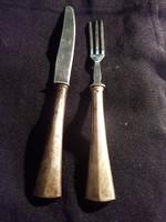 Ezüstnyelű deszertes kés villa