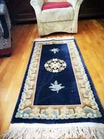 !Antik gyönyörű kínai perzsa szőnyeg.