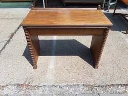 Koloniál fésülködő asztal 6000ft