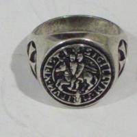 Templomos lovegrendi gyűrű tanúsítvánnyal