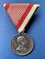 Ferenc József II. Oszt Ezüst Vitézségi erem