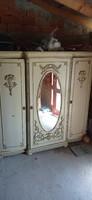 Kisasszony szekrény