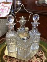 100 éves, antik, kristály fűszerszett, asztali állványon, fűszerkrémes, szórófejes és olajos üvegek