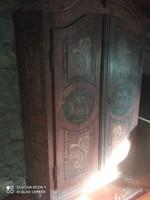 Paraszt barokk ruhásszekrény