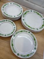 Alföldi porcelán zöld magyaros tányérok