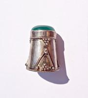 Zöld ásvány köves ezüst gyűszű