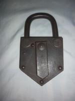 Antique large padlock 16.5cm