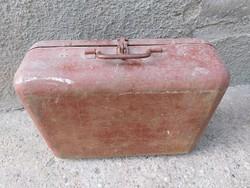 Régi vas szerszámos bőrönd