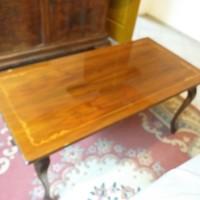 Intarziás Politúrozott Asztal