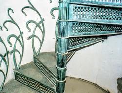 Antik öntöttvas csigalépcső