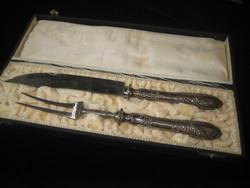Ezüst  nyelű ,tálaló kés és villa   30 és 26 cm   ,díszdobozban