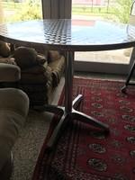 Kerek asztal inog tetővel rozsdamentes