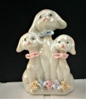 Nagyon büszke kutyusok, lüszteres porcelán nipp, kutyus család