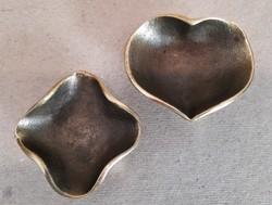 2 db. régi öntött bronz tálka