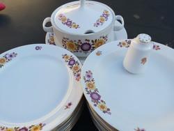 Alföldi tűzvirágos tányérok, leveses tál és kerek kínáló, sószóró