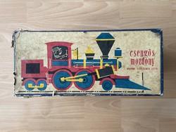 Csengōs mozdony eredeti doboz ritkaság