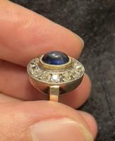 Eladó egy antik arany gyűrű R2-es csiszolású briliánsokkal és Kaboson Zafírral 1 Forintról!!!