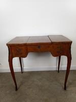 Intarziás fésülködő kisasztal