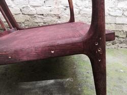 A. P. fotel