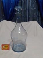 Régi, halványkék boros üveg, karaffa