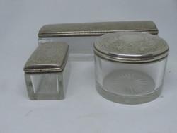 3 db különböző ezüst piperés doboz.