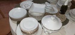 Aranyszegélyes porcelán étkészlet, nagyon régi , nekem nagyon tetszik