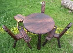 Rusztikus,kézzel faragott 3 lábú garnitúra (szék,asztal)