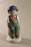 Jelzett porcelán iskolás fiú 185