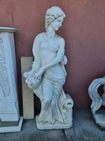 Antik női alakos márványszobor -kezében gyümölcskosárral