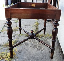 Padlás lelet. Vintage, régi, antik, copf asztal, felújítandó.