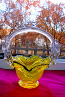 Uránzöld Bohémia édesség kínáló üvegkosár- szép kézműves, masszív darab.