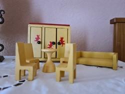 60-as évekből származó fa játék bútorok szettben