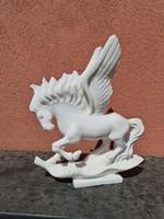 Márvány ló szobor- szárnyas ló