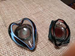 Művészi üveg hamutálak, gyönyörű kidolgozással és színben! Törés-és repedésmentesek, nagyon szépek!