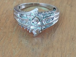 Glasses with white gold ring