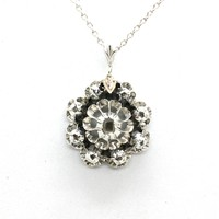 2904. Antik Medál Gyémántokkal