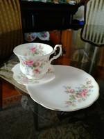 Royal Albert által készített Moss Roses reggeliző szett