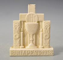 Az 1938 -as Budapesti Eucharisztikus Kongresszus emlékplakettje. HMV majolikagyár. jelzett.