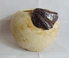 Nagy gömb jelzett kerámia kaspó