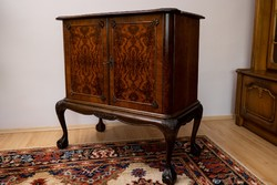Komód,gyökér intarzia mintás,angol barokk.