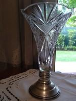 Ezüst talpas csiszolt kristály váza