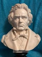 Beethoven alabástrom mellszobor.
