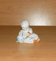 Zsolnay porcelán Annuska korsóval figura 8 cm magas (po-1)