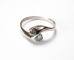 Altinbas fehérarany solitaire gyűrű, 2x0,1 karát gyémánttal.