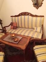 Hibátlan neobarokk garnitúra,/ kanapé három karosszékkel /