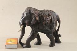 Kézzel faragott zsírkő elefánt 311